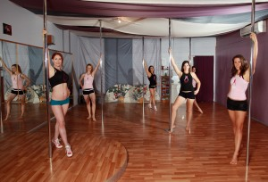 cairns pole play studio