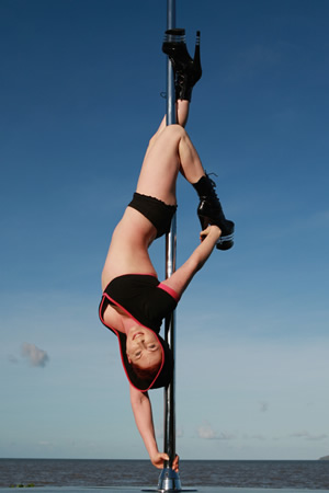 pole dance lessons cairns